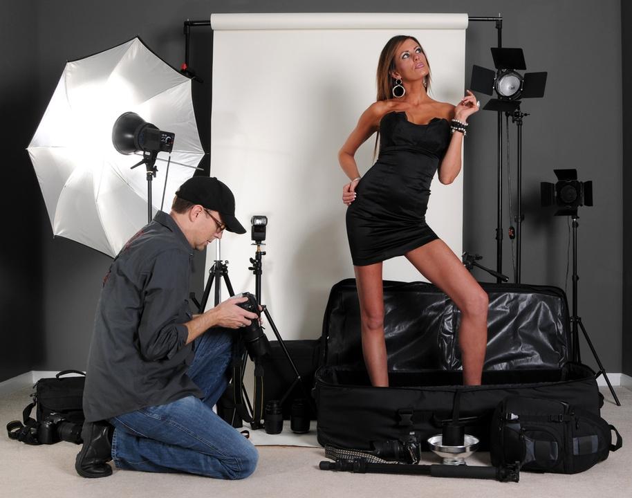 устроился как правильно фотографировать модель в фотостудии багажное отделение один