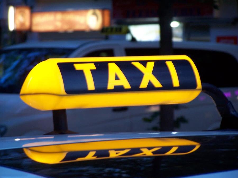 ВКирове таксист ограбил пассажирку и исчез 0+