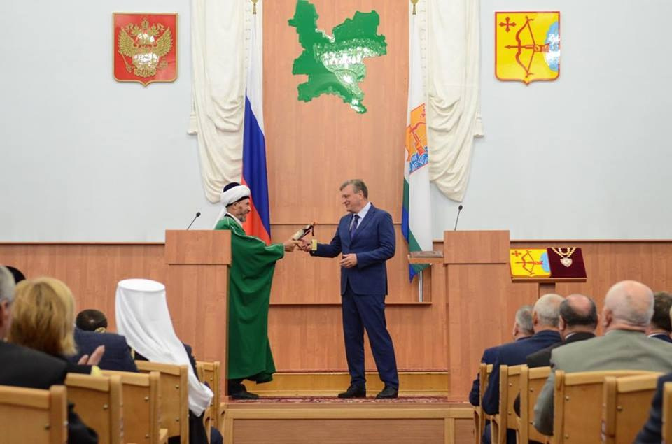 Инаугурация Игоря Васильева: Что хотели идарили губернатору?
