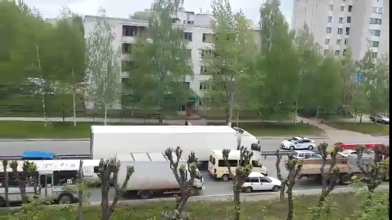 ГИБДД перекрыло улицу для кортежа патриарха