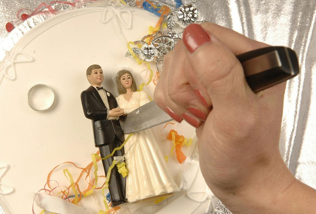 вел из-за чего жена подала на развод 100 к 1 народ невозможно