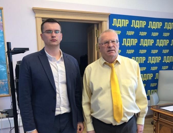 Чувашского депутата ЛДПР избили вподъезде