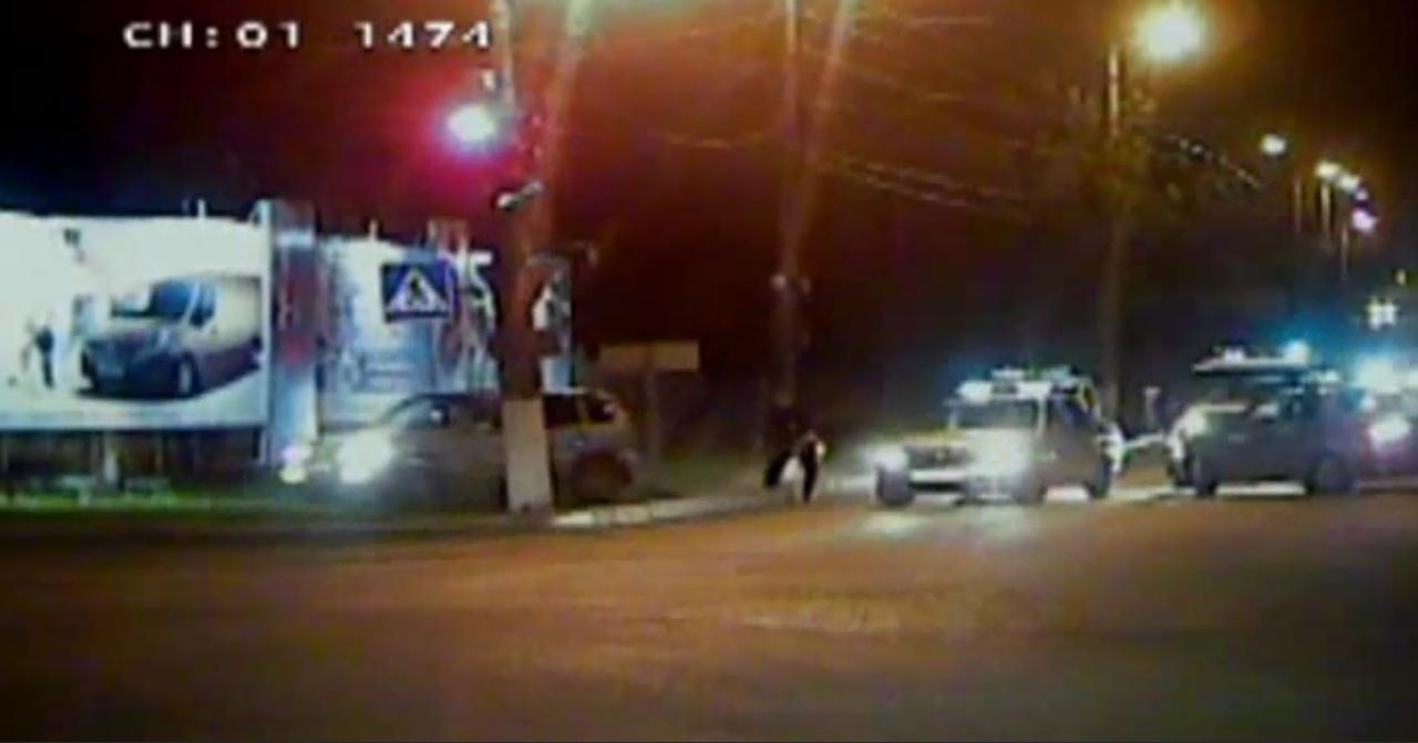 ВКирове водитель-нарушитель врезался впатрульный автомобиль