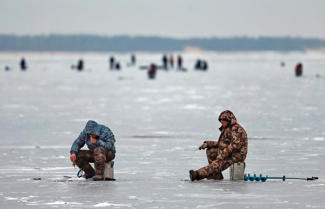Когда лёд безопасен и как помочь провалившемуся под лёд