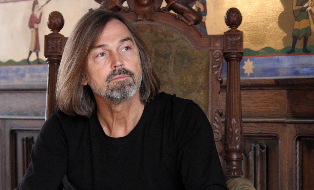 Никас Сафронов откроет вКирове персональную выставку