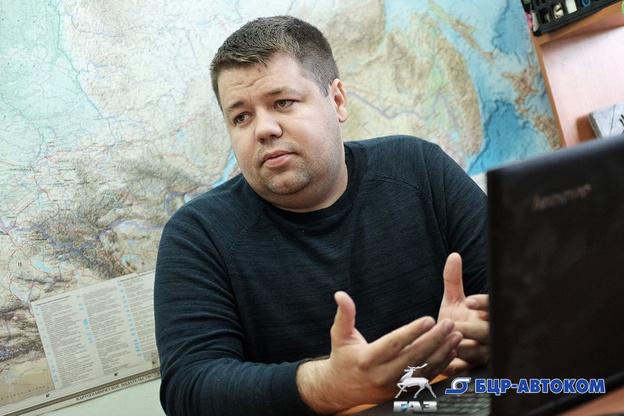«Деньги крутятся больше в Москве, а не в Кирове». Учредитель компании грузоперевозок - о дорогах, ценах на топливо и завещании Путина
