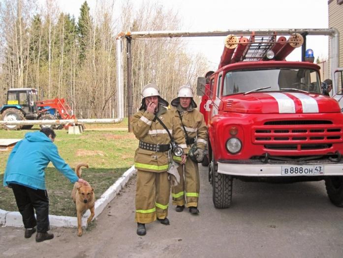 Что делает каждый член боевого расчёта при ликвидации пожара