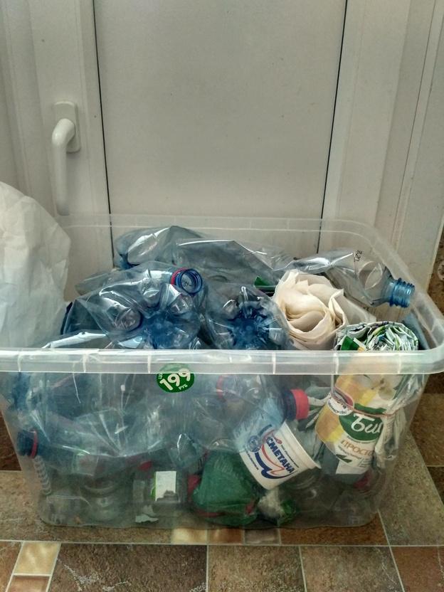 В коробках, вёдрах и ящиках: как кировчане хранят отсортированный мусор