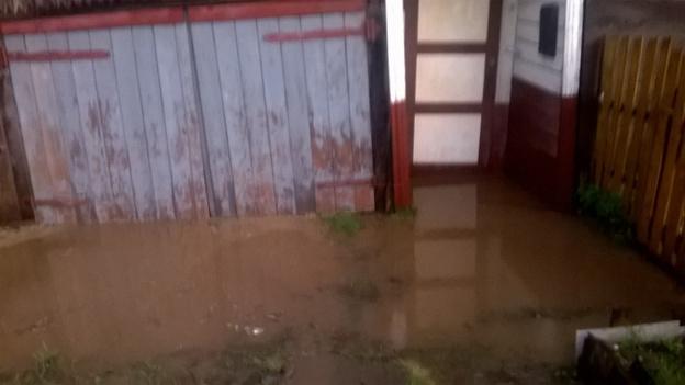Омутнинск затопило после мощного ливня. Фото из соцсетей