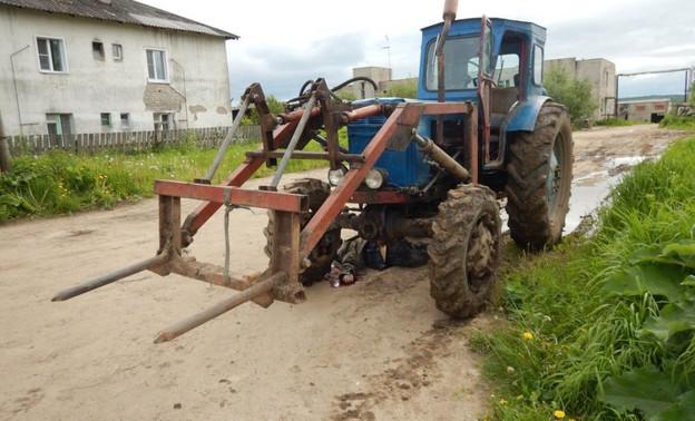 В Демьяново трактор под управлением водителя с признаками опьянения задавил пешехода