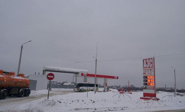 На кировских заправках вновь подорожал бензин и дизельное топливо