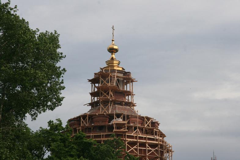 ВКирове освятили иустановили купол наСпасском соборе