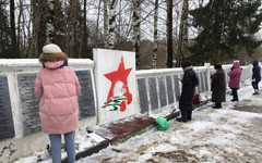 Волонтёры привели в порядок места захоронений на Лобановском кладбище Кирова